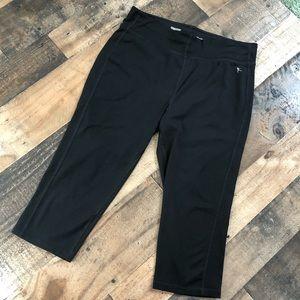 Danskin black leggings workout pants size M Capri